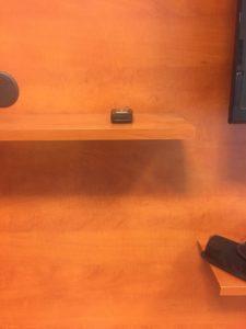 inaktív távvezérlőbe rejtett kamera detektálása